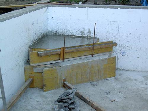 Pooleinstieg schalen und betonieren - Pool selber betonieren ...