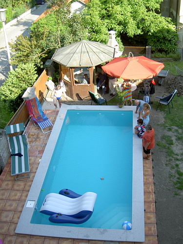 Poolumrandung aufkleben - Arrigoni piscine ...